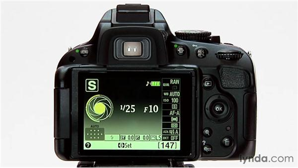 Shutter Priority mode: Shooting with the Nikon D5100
